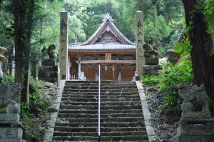 ■境内への階段